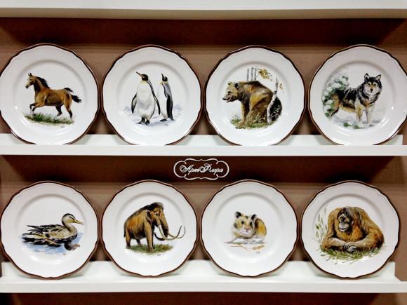 Тарелки с животными.