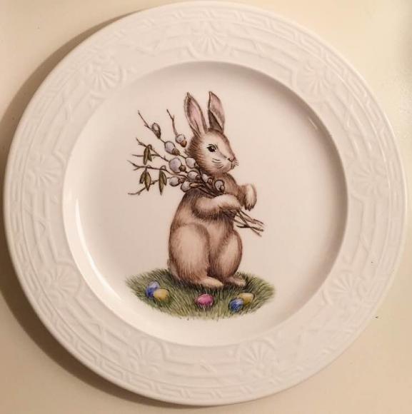 """Тарелка """"Пасхальный заяц с вербой"""" , 27  см , готовая работа  - 3800 рублей"""